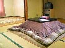 館内のお部屋の一例。二間つづきの部屋(人数によって部屋は多少異なります)