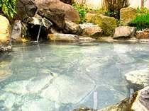 *100%源泉掛け流しの露天風呂で休息のひと時を