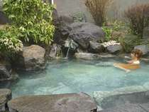 露天風呂は100%源泉掛け流しです。