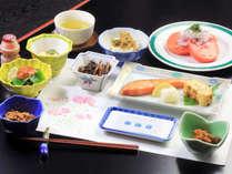 *【朝食一例】新鮮野菜中心のヘルシーメニューで元気をチャージ♪