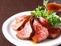 【熊野牛のローストビーフ】和歌山県特産の高級和牛で、肉質はきめ細やかで柔らか ※画像はイメージです