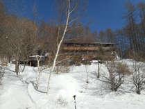*[外観/スキーシーズン]八千穂高原スキー場目の前!スキー&スノーボードを履いてそのままGO!