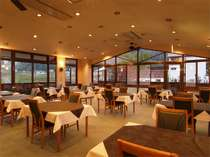 雄大な北アルプスを眺めながら、お食事をお楽しみ下さい。