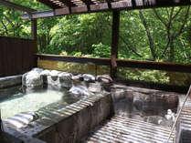 緑に囲まれた貸切露天風呂に屋根がつきました!※冬季はご利用になれません。GW頃からお楽しみいただけます