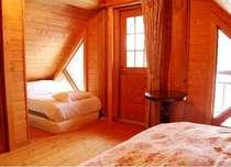 2Fのベッドルームは3部屋あり、各2名様づつご利用頂けます。