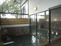 弱アルカリ性単純温泉は、多彩な天然ミネラルを含む岩塩一重曹泉(十郎の湯)