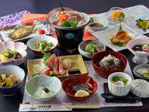 【スタンダード料理一例】国産豚の陶板焼きは人気の逸品、手作りの旬の味をお届けします