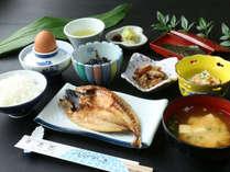 【朝食一例】干物に卵、お豆腐など元気の出る島の朝ごはん♪