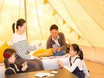 テントに泊まる特別感と、機能性・快適性を兼ね備えた空間