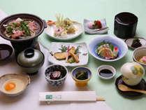 【四季の膳】当館のスタンダードな会席料理です。献立は四季ごとに変わります。