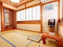 和室6畳の一例ごゆっくりお寛ぎ下さい。
