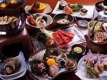 地元の日本海の海の幸、地の野菜を使った自慢の会席。