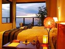 7階客室一例。テラスからの眺めは心なごます絶景