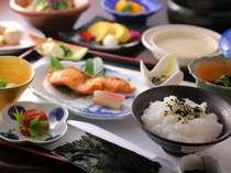 [選べる朝食]和食 地元の食材をふんだんに盛り込んだ体に優しい朝食です
