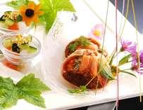 食べやすく調理された雌のセコガニ。彼氏の前でも大丈夫?綺麗に美味く召し上がれ