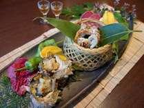 大サザエと太刀魚の香ばしい香りと、味をご賞味下さい。
