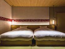 【特別フロア】5階・うすい。ベッドスペースにはダブルサイズのシモンズベッドのご用意。