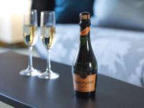 【特別フロア】季節により異なるお酒をお部屋にご用意。