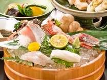 【これぞ贅沢!】獲れたて海の幸がいっぱい♪ 隠岐の旬のお造りが7種♪しまどれ桶盛り海鮮会席プラン