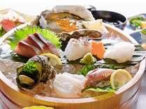 ※しまどれ桶盛り海鮮会席 新鮮な海の幸を眼と味でお楽しみ下さい。