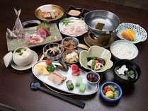 *夕食一例/仕入先を吟味した地魚を中心に、旬の食材をたっぷり使った田舎料理をご用意いたします。