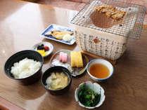 *【朝食一例】定番の和朝食で一日を元気にお過ごし下さい