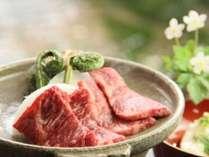 とろける美味しさ。信州牛の陶板焼き。