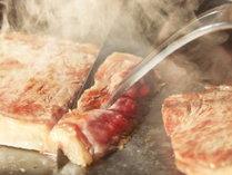 【ご夕食】メインはステーキ!美味しいお肉と季節替わりの創作献立をお届けします※イメージ