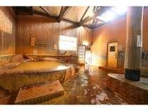 含炭酸鉄泉の大浴場、サウナ、水風呂併設