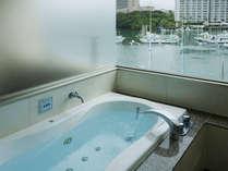 お風呂からの眺めも最高!
