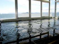 ■展望大浴場■当館4階にある大浴場は海を眺めながらのんびりお入りいただけます。