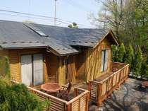 連休☆ログハウス、8名様までの1棟料金!専用屋根付バーベキューハウス完備!設備費等も無料!