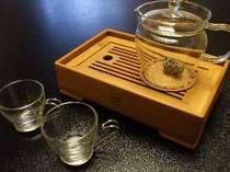 広がる茶葉と香りも楽しめる花茶のセット