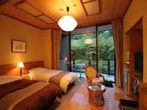 露天風呂付客室『吟龍』べにさらさ 和洋室のベッドルーム