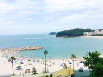 お部屋からの眺望一例。夏は白良浜海水浴場まで水着のままどうぞ♪