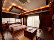 *【スイート一例】広々としたアジアンリゾートを思わせるスイートルーム。非日常をお楽しみください。