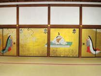 *【上段の間】襖絵は太閤秀吉の醍醐の花見を再現