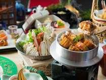 自慢の蘭亭特製「季節の釜炊きご飯」。そのままで・薬味を乗せて・お出汁をかけて(曲水膳一例)