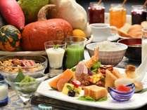 健康的な朝食で元気な1日をスタート!お子様が好きなお料理も取り揃えております