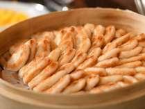 【朝食】仙台名物の笹かまぼこ(一例)