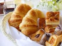 【レストラン・ザ・ガーデン】朝食バイキング 朝はパン派!も大満足のラインナップ!