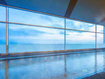 【天然温泉大浴場瑠璃の湯】琵琶湖を望む温泉で、日々の疲れを癒されて