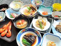 【ご夕食一例】一品一品丹精込めた料理を少しずつ。たくさんの味をお楽しみください。