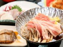 【満足コース】迷ったらコレ!民宿磯路の新鮮な食材使用の定番海鮮料理を味わう♪[1泊2食付]