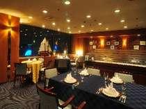 レストラン「ベルビュー」ホテル最上階にあり、日中は遠く鳥取砂丘や市内が一望でき夜景もキレイ。
