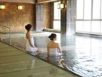 【女性大浴場~本館】小川屋自慢の百帖空間畳風呂。とろりとした柔らかな湯は美肌効果抜群!