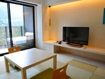 【ゆらぎ和室】モダンな雰囲気ながら、琉球畳が落ち着く和室。