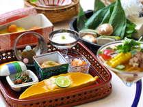 【ゆらぎ専用朝ごはん】地元素材を使用した、ゆらぎだけの和食膳。
