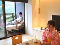 【ゆらぎ和室】和室バルコニーにはゆっくり寛げるデイベッドを設置。