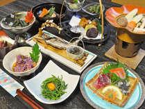 【夕食】旬の山菜を使った料理を中心に一品一品丁寧にお作りいたします。